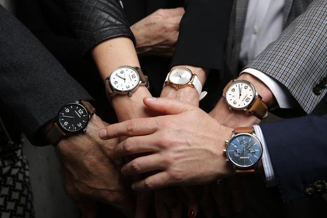 đeo đồng hồ tay nào