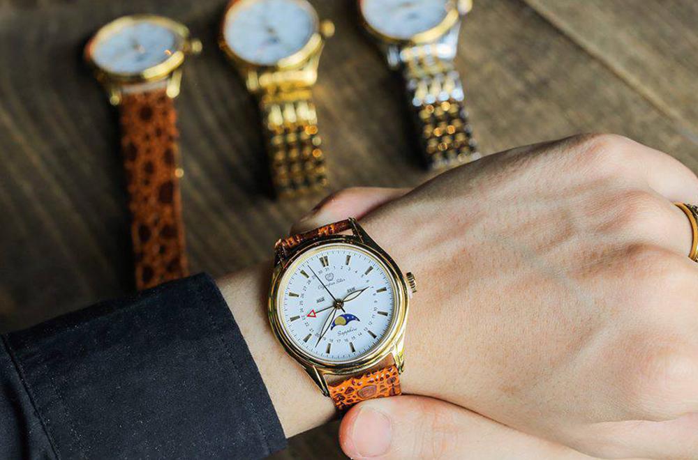 đồng hồ quartz ảnh bìa